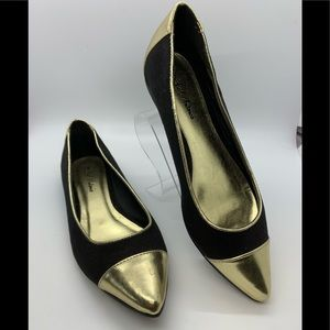 Michael Antonio gold metallic & suede pointed flat